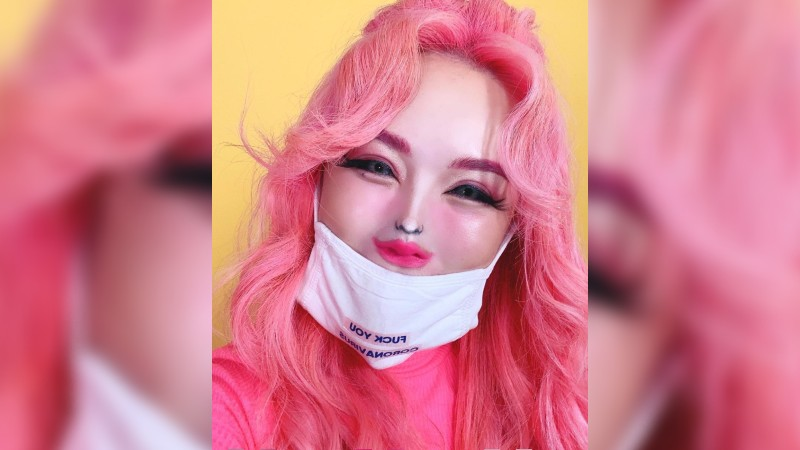 Xiaxue wages lovely battle to gag boycott campaigner
