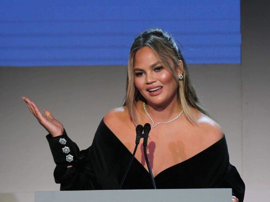 Chrissy Teigen's Cries for Consideration Are Turning into Glaring