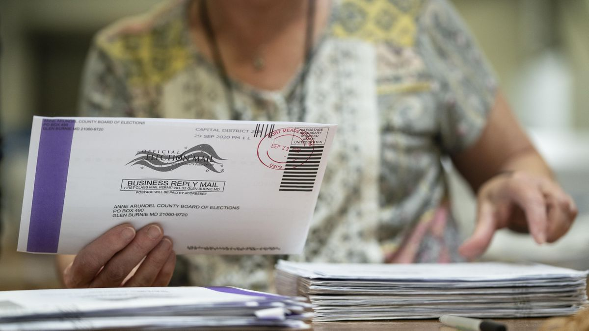 California Republicans Dwelling Up Unofficial BallotDrop-Off Boxes Deemed Illegal By Recount Officials