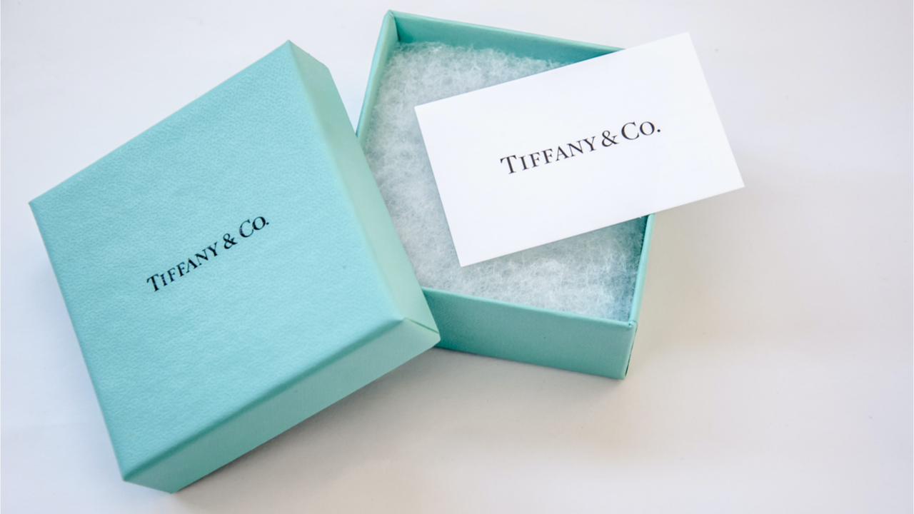 LVMH Loyal War With Tiffany's Ends With Discounted Sale