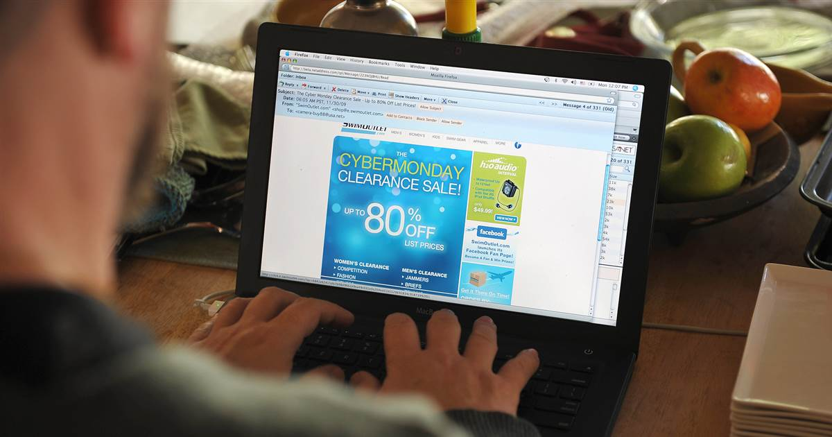 Dim Friday and Cyber Monday scams:  attach right and shop online