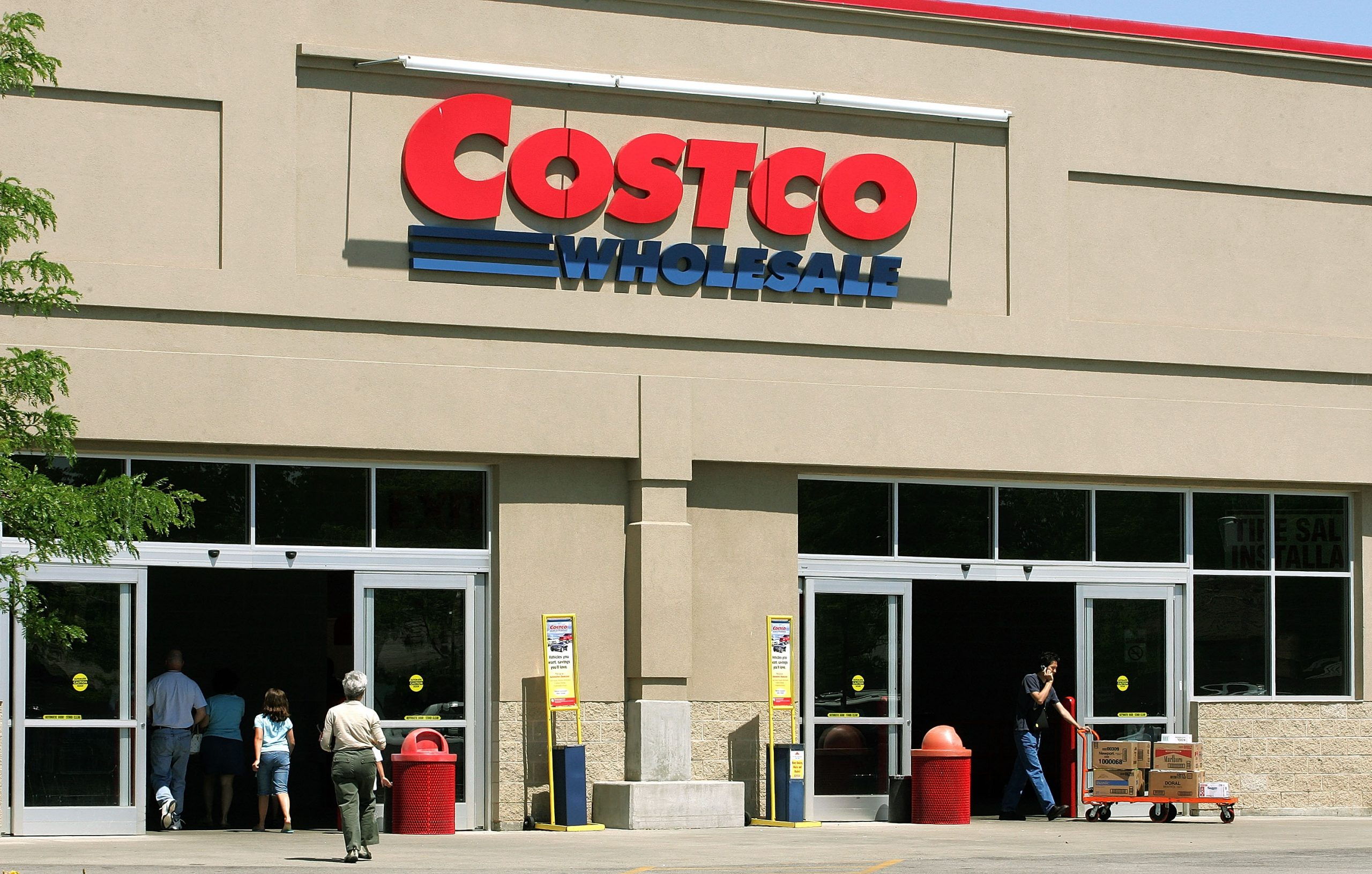 Costco Fb Rip-off Claims to be Giving Away Free Christmas Food Bins