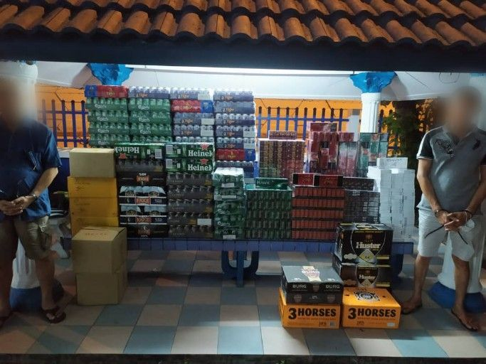 RM91k in illegal cigarettes and alcohol seized in Ulu Tiram, duo arrested