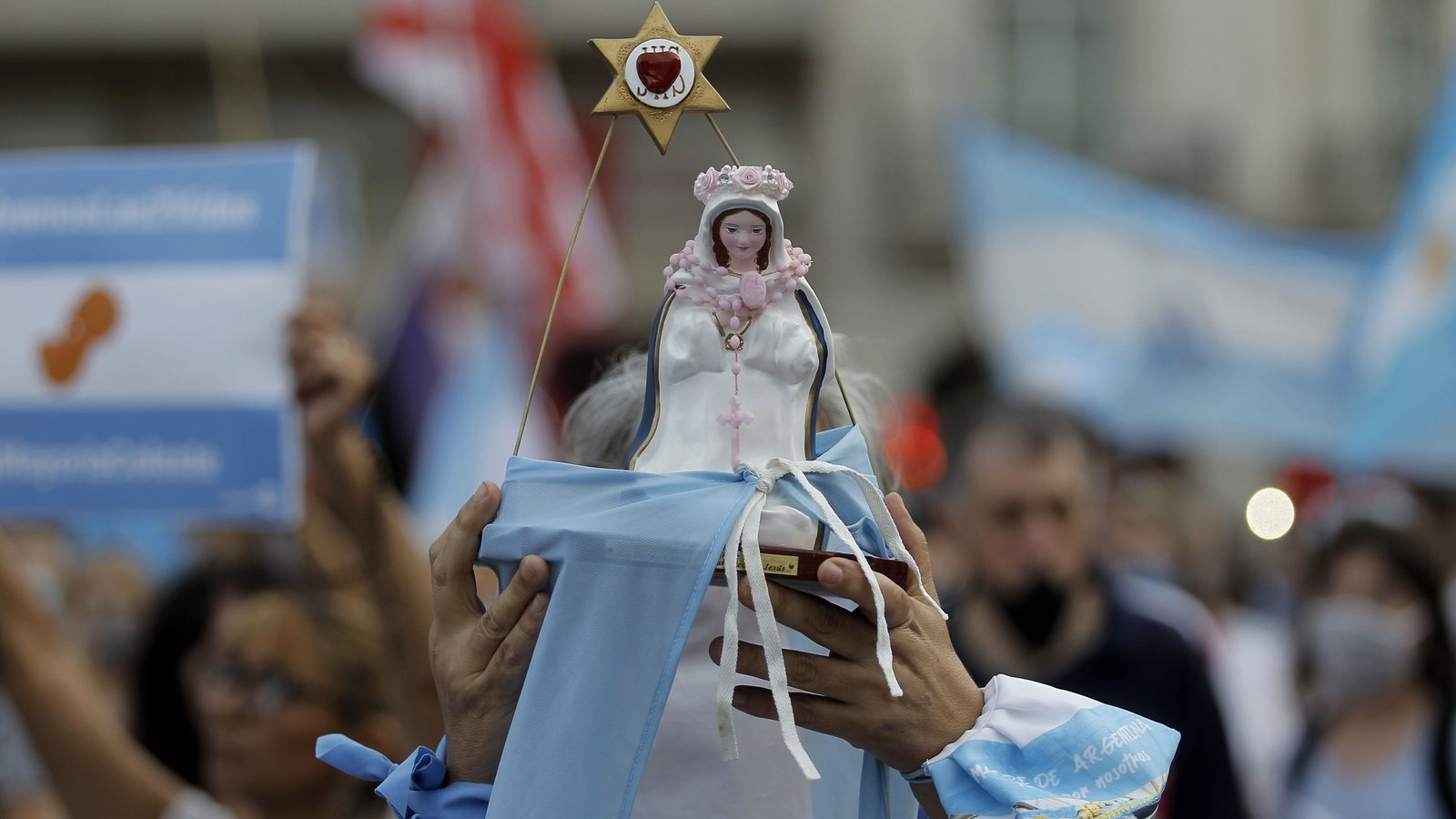 Split Argentine senate to vote on legalising abortion