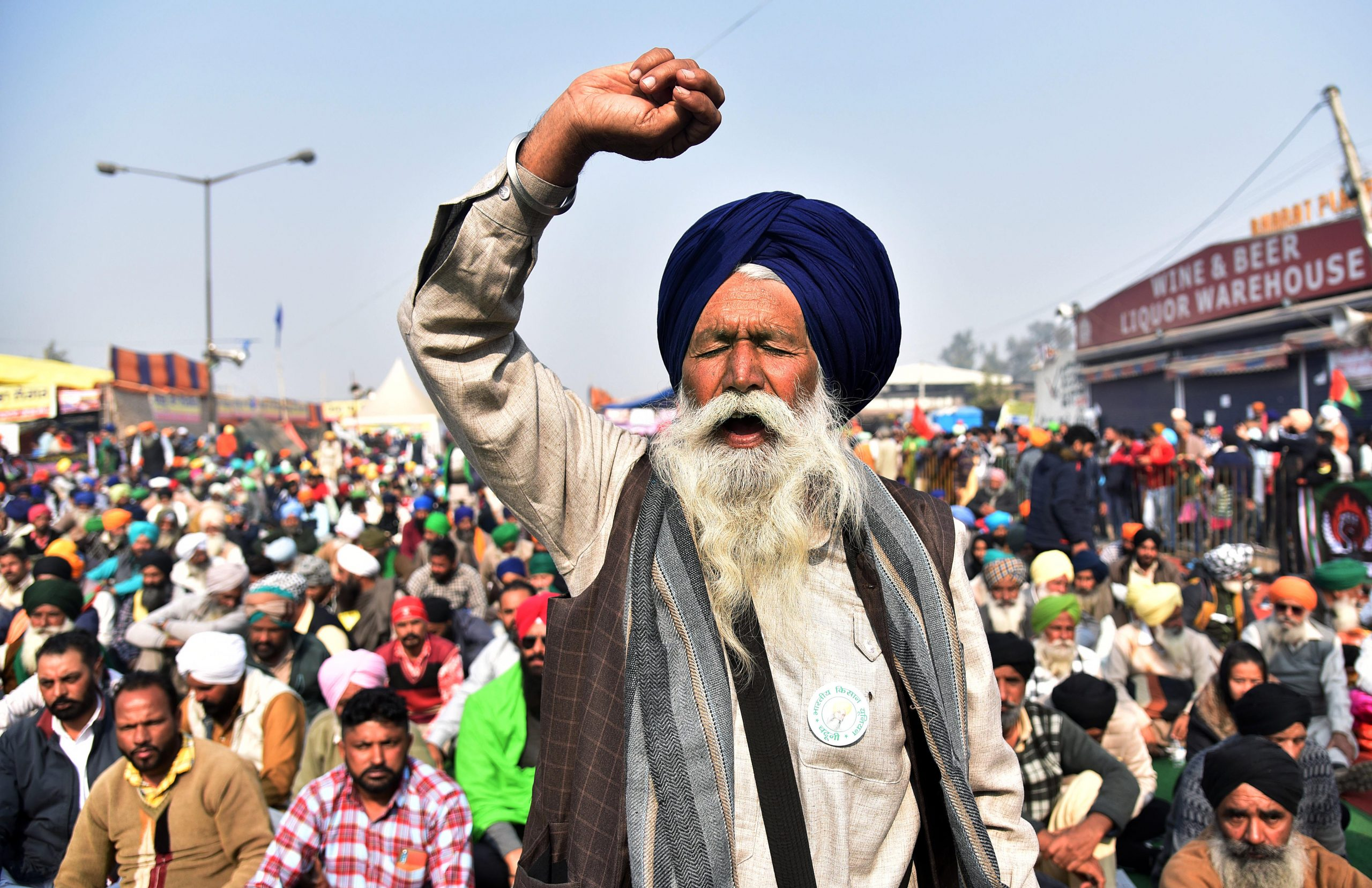 LIVE: Farmers' yell continues amid freezing temperatures in Delhi-NCR