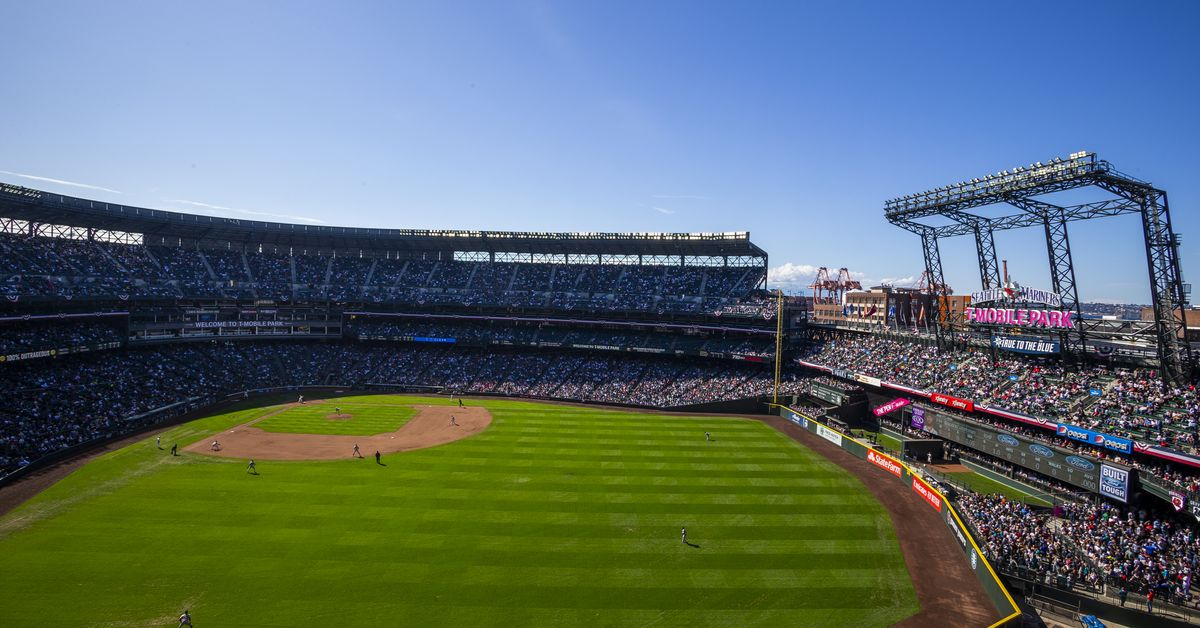 Secret Pass Experiences: Being a Mariners Fan