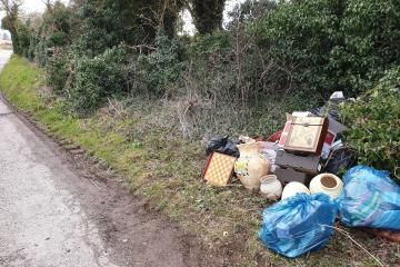 Vale of White Horse officers hunt for flit-tippers in Woolstone