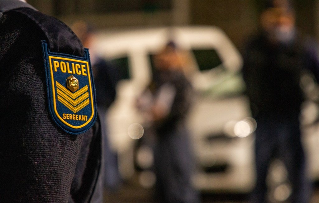 News24.com | False police captain arrested in Polokwane for allegedly scamming americans out of hundreds of rand