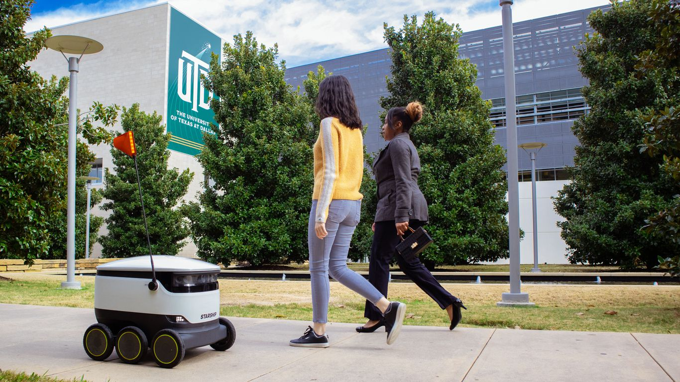 "Sidewalk robots get actual rights as ""pedestrians"""