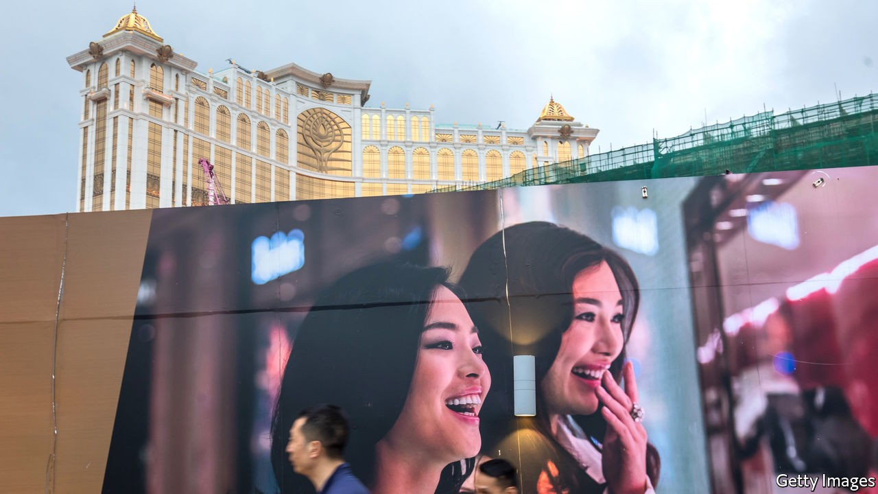 Are Galaxy Entertainment and MGM China a winning bet?