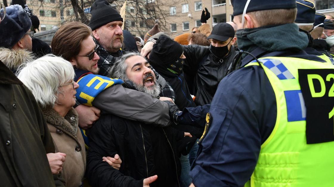 Hundreds get dangle of in unlawful COVID-19 disclose in Stockholm