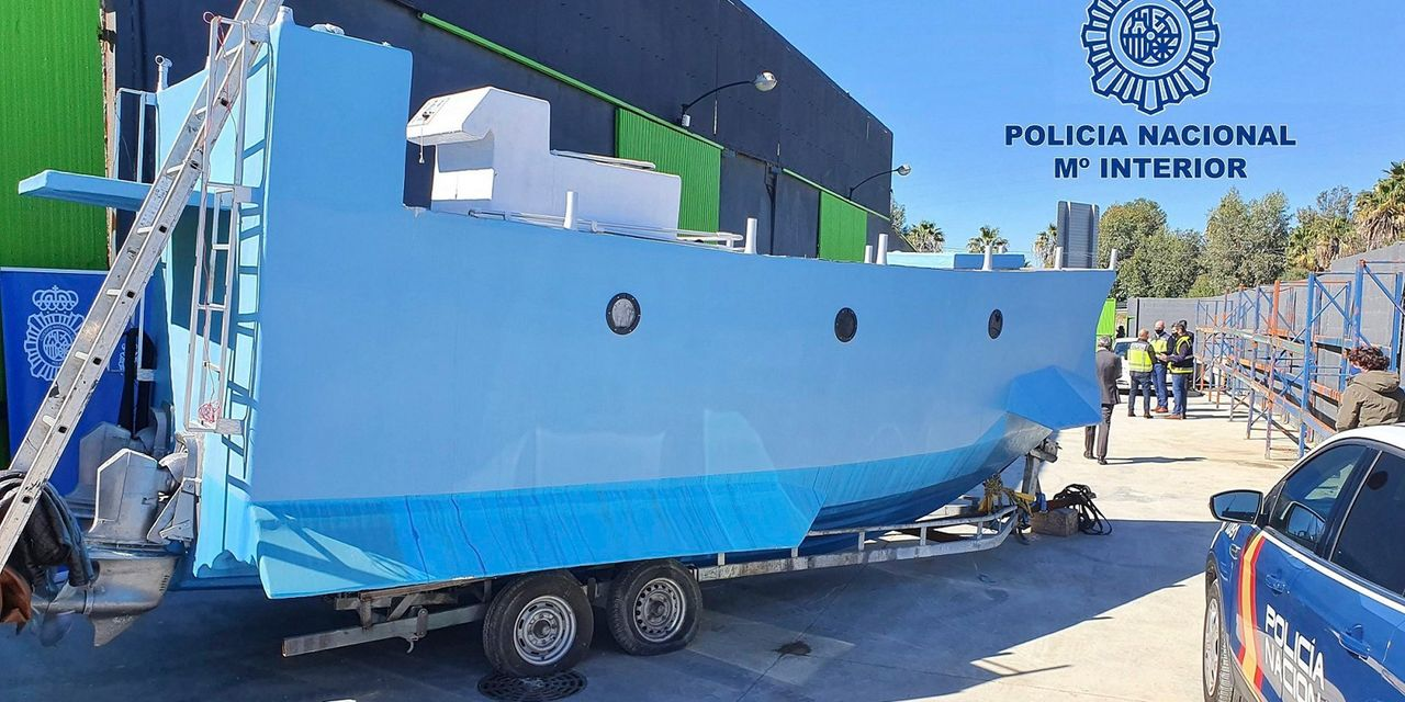 Spanish Police Receive Submarine Constructed to Carry Capsules