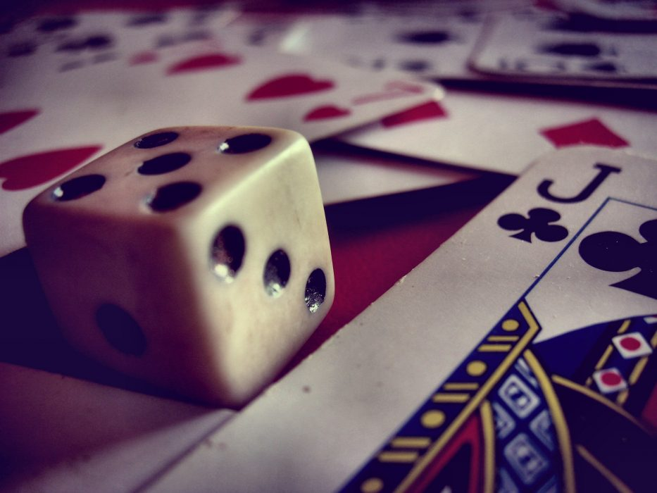 Police Arrest  a Personnel Operating Unlawful Gambling DApp in China