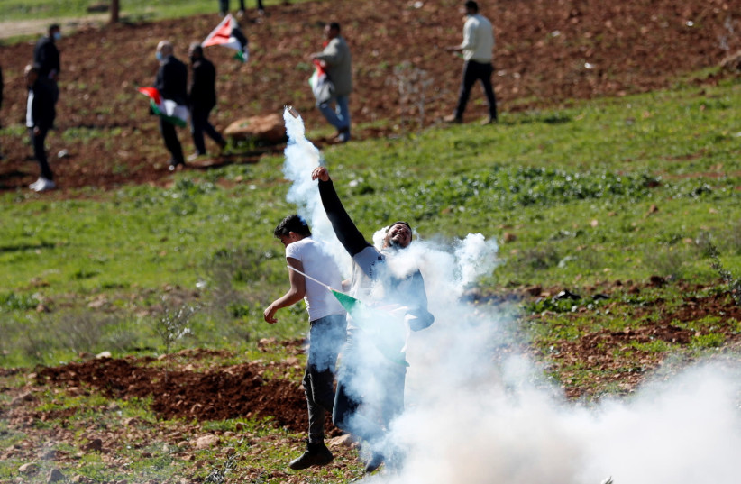 Non secular Zionist Birthday celebration filed bill to authorize West Bank settler outposts
